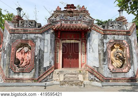 Hoi An, Vietnam, May 6, 2021: One Of The Gates Of The Ba Mu Temple Gate In Hoi An