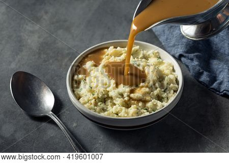 Healthy Homemade Creamy Mashed Potatoes With Gravy