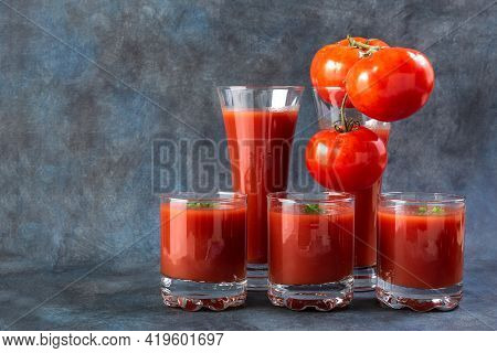 Tomato Juice. Tomatoes And Tomato Juice In Glasses. Detox. Healthy Eating. Healthy Foods On Vintage