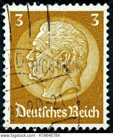 Germany - Circa 1933: A Stamp Printed In Germany Shows Portrait Of Paul Von Hindenburg (2nd Presiden