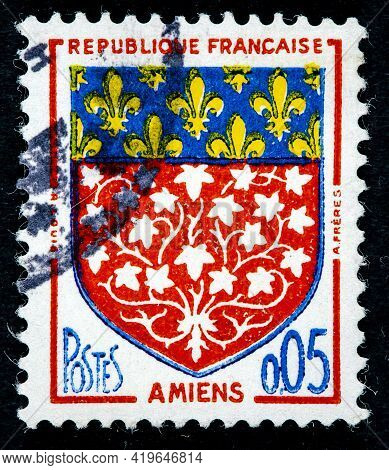 France - Circa 1962: A Stamp Printed In The France Shows Arms Of Amiens Circa 1962