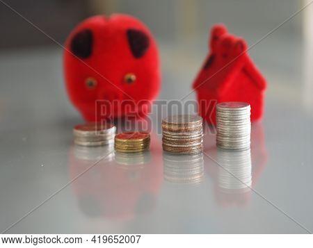 Red Model House Coin Bank Piggy Bank,money Box Disorder,descriptive