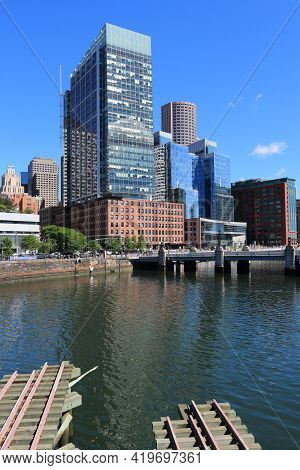 Boston, Usa - June 9, 2013: Atlantic Wharf Building In Boston. The Building Was Formerly Known As Ru