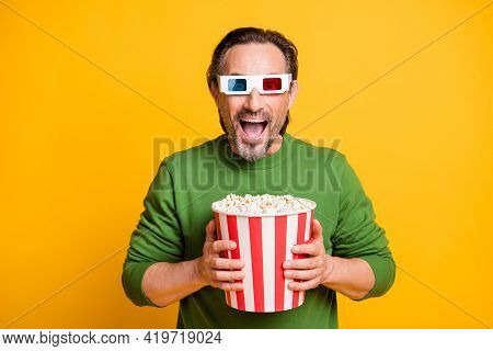 Photo Of Crazy Bristled Guy Hold Paper Box Popcorn Wear 3d Glasses Green Pullover Isolated Yellow Co