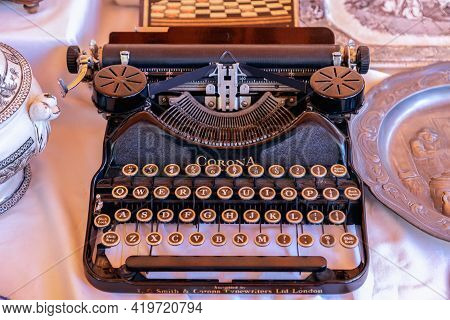 Barcelona - Spain. June 27, 2019: Vintage Typewriter Smith & Corona  - 1930 In The Vintage Market