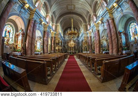 Sibiu, Transylvania, Romania-july 8, 2020: Interior Of The Jesuit Church Or Church Of The Holy Trini