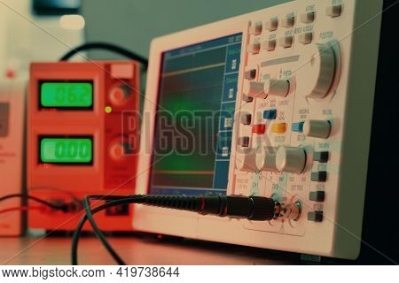 Semiconductor electronics laboratory with measuring instruments