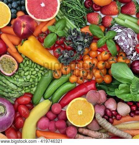 Fruit and vegetable healthy food collection very high in antioxidants that neutralise free radicals. Vegan and vegetarian health foods full of anthocyanins, fibre, carotenoids, protein and vitamins.