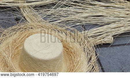 Ecuadorian Handmade Toquilla Straw Hat (panama Hat), Not Finished, And Straw Used To Make It On Conc