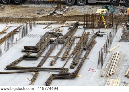 Steel Reinforcement Rods Used To Reinforce Concrete