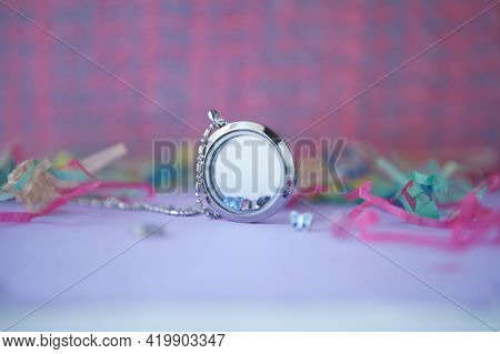 Silver Necklace For Woman, Shining Crystals With Pink Decorations. Luxury Silver Jewelry Chains With