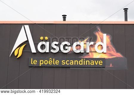 Bordeaux , Aquitaine France - 05 05 2021 : Aasgard Logo Brand And Text Sign Of Scandinavian Stove St