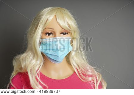 Shop Window Mannequin Or Display Dummy Head Wearing Protective Face Mask