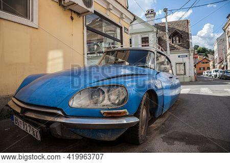 Belgrade, Serbia - June 24, 2018: Close Up On The Light Of A Blue Citroen Ds Original Parked In Belg