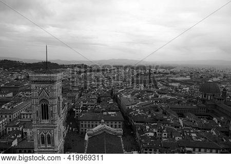 Firenze Vista Dalle Terrazze Del Duomo In Un Giorno Di Tempesta