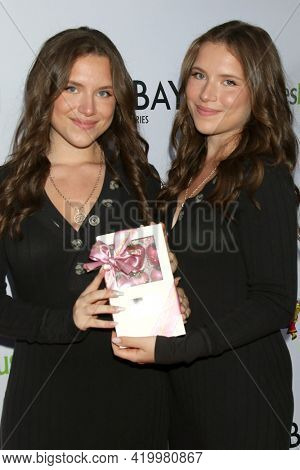LOS ANGELES - MAY 8:  Bianca D'Ambrosio and Chiara D'Ambrosio at the The Bay's  Season Finale Screening at the Private Residence on May 8, 2021 in Los Angeles, CA