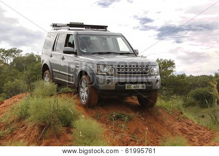 Silver Land Rover Discovery 4 Sdv6 S