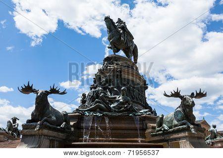 George Washington Statue In Front Of Philadelphia Art Museum