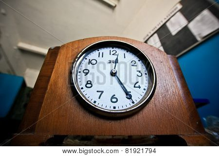 Stopped Clock-table