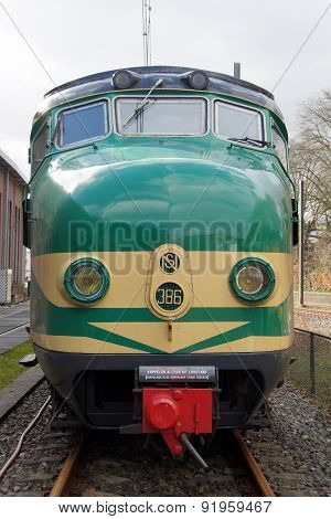 Vintage Dutch electric train Materieel '54 (Mat '54) - Hondekop