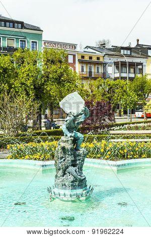 Statue The Gnome In Gmunden, Austria