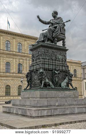 Monument Max Joseph Central Munich