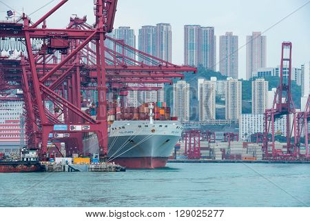 Hong Kong-may 7,2016:the Container Is Loaded / Unloaded At Kwai Tsing Container Terminals Is The Mai