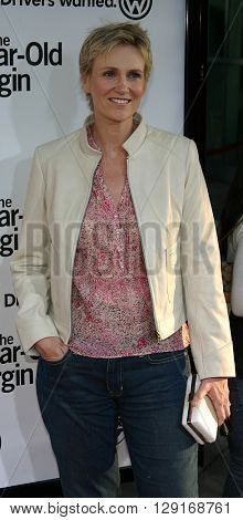 """Jane Lynch at the Los Angeles premiere of """"The 40 Year Old Virgin"""" held at the ArcLight Theatre in Hollywood, USA August 11, 2005."""