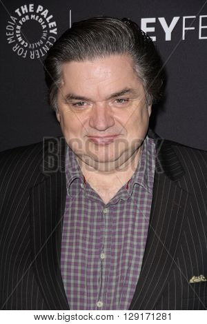LOS ANGELES - MAR 19:  Oliver Platt at the PaleyFest 2016 - Dick Wolf Salute at the Dolby Theater on March 19, 2016 in Los Angeles, CA
