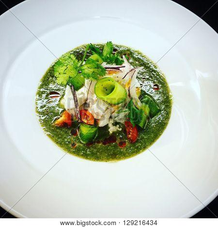 Aguachile verde de camaron en salsa verde