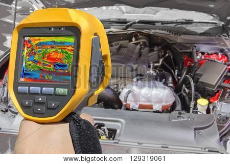 Recording Car Engine With infrared Thermal Camera