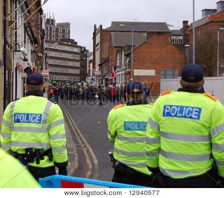 Riot Police face UAF demonstrators in Luton, UK