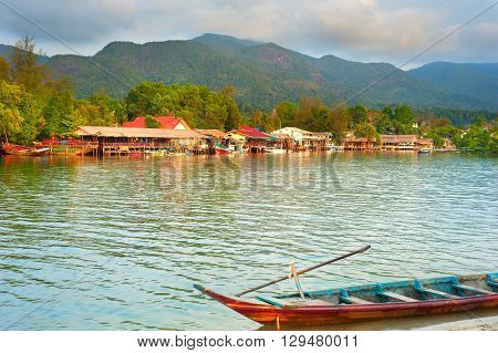 Floating Village, Thai