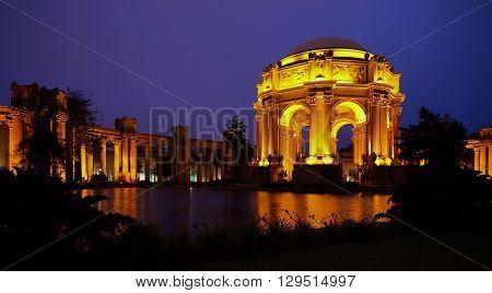 San Francisco's Palace of Fine Arts at night