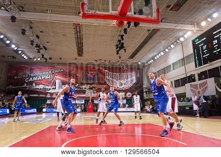 Bc Krasnye Krylia Guard Aaron Miles (32) Hits A Goal From The Free Throw Line