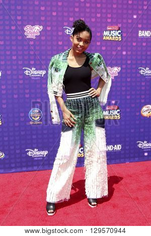 LOS ANGELES - APR 29:  Yara Shahidi at the 2016 Radio Disney Music Awards at the Microsoft Theater on April 29, 2016 in Los Angeles, CA