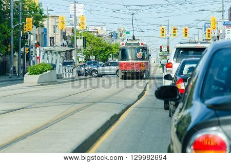 Lansdowne Ave In Chinatown Showing City Transportation