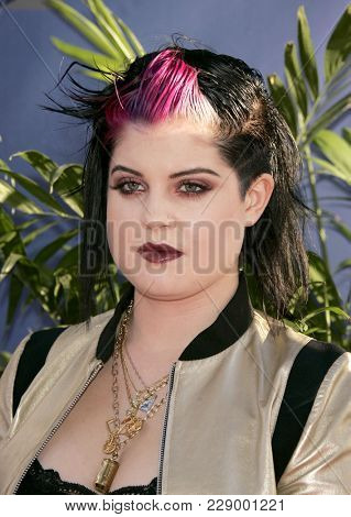 LOS ANGELES - JUL 13:  Kelly Osbourne at the ABC Summer Press Tour Party 2004  on July 13, 2004 in Century City, CA.