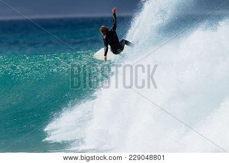 Surfing Action Speed
