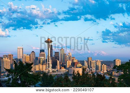 Downtown Seattle With Snowed Mount Rainier In The Back, Washington State, Usa