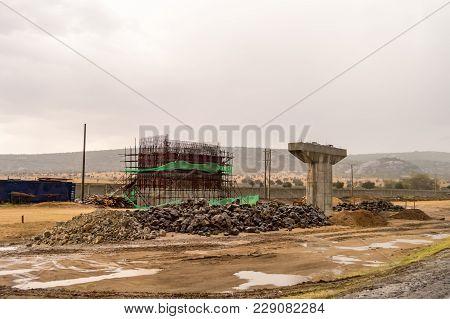 Reinforcement Of A Bridge Pylon Of The New Road Between Nairobi And Mombasa In Kenya, Kenya