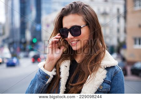 Close Up Fashion Street Stile Portrait Of Pretty Girl In Fall Casual Outfit Beautiful Brunette Posin