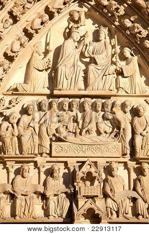 Staues above central entrance Cathedral Notre Dame de Paris