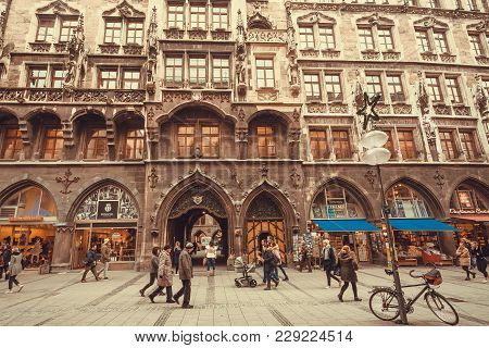 Munich, Germany - November 17, 2017: Many People Shopping Around The Historical Neo-gothic Style New