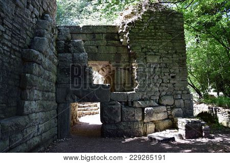 Ruins Of Gate In Buthrotum, Ancient City In South Albania. Butrint - Unesco World Heritage.