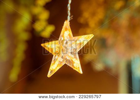 Used For Decoration, A Hanging Gold Star Lamp.