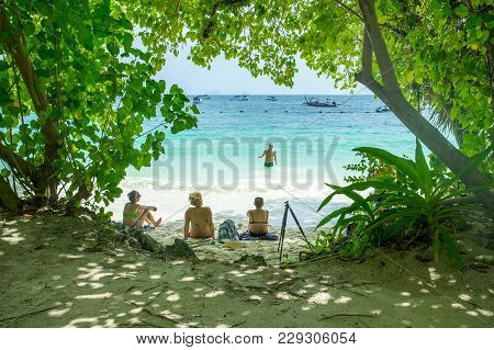 Krabi Thailand 3 Feb 2018: Many People Swimming And Relaxing At Railay Island In Krabi Province Thai