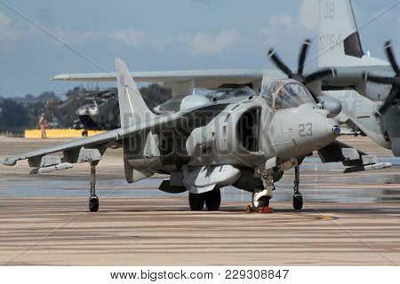 Miramar, California, Usa - Oct 15, 2016: Us Marines Mcdonnell Douglas Av-8b Harrier Ii Jump Jet On D