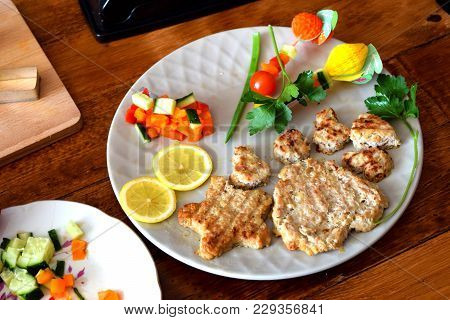 Delicious Cutlets Are Not Only Turkey Meat, But Also A Form Of Baking. Delicious Cutlets Are Not Onl