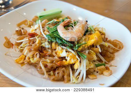 Famous Thailand Fried Noodle Pad Thai Shrimp